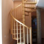 Escalera de caracol con eje central - Pesquer