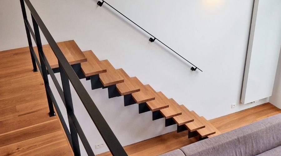 escalera abierta