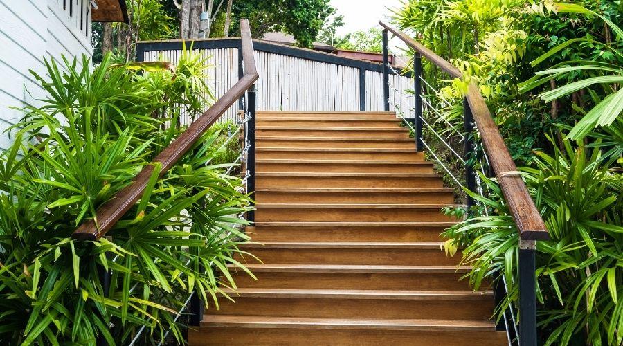fabricantes de escaleras de madera de exterior